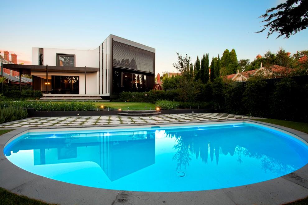 Semicircular Minimalist Swimming Pool